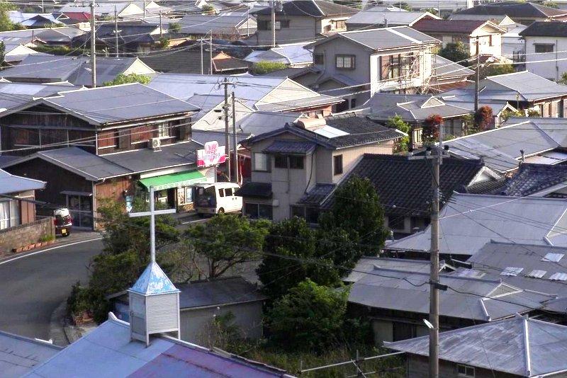 集落の酒屋さん、重田商店への出荷風景は朝の日常